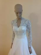 เช่าชุดแต่งงาน ชุดไทยเจ้าสาว ที่ร้าน Leelarose