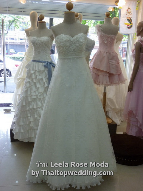 Wedding dresses at Thaitopwedding 2011 Thailand