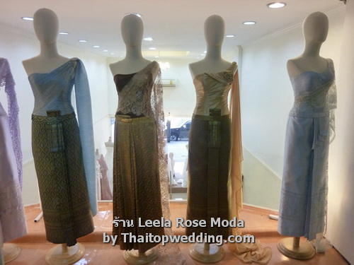 Thai style dresses for Loi Krathong