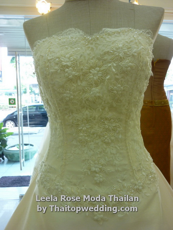 Thaitopwedding » thailand-wedding-dresses-2011-bangkok-6