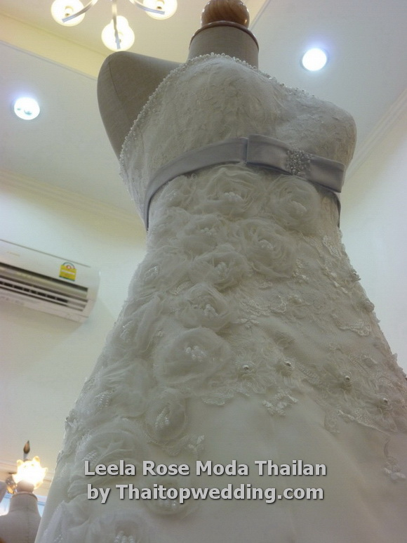 Thaitopwedding » thailand-wedding-dresses-2011-bangkok-9