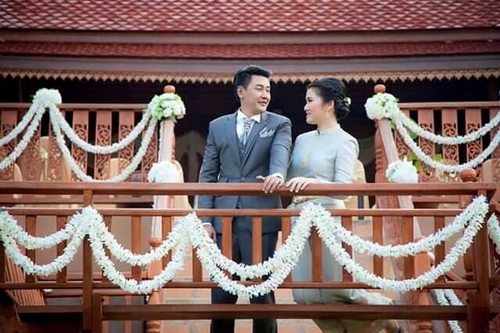 Real Thai attire in wedding ceremony.