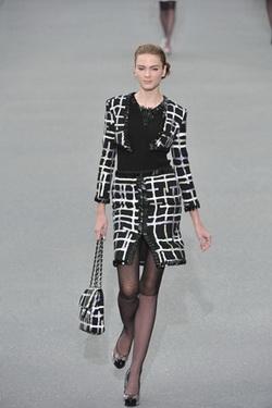 Chanel แฟชั่น การแต่งกาย นางแบบ คนที่ 5