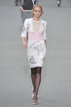 Chanel แฟชั่น การแต่งกาย นางแบบ คนที่ 6