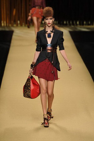 Louis Vuitton แฟชั่น เสื้อผ้า น่ารัก 2009 พร้อมกระเป๋า