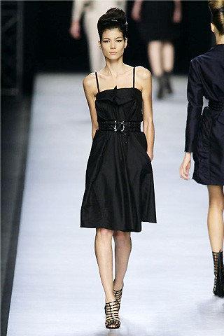 Stefano Pilati งาน ชุดเดรสแบนด์ Yves Saint Laurent ปี 2008