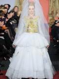 รูปตัวอย่าง แฟชั่นผู้หญิงระดับสูงสุด ต้อง โอต กูตูร์ [ Haute Couture ]