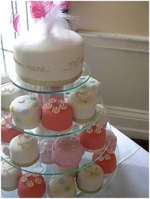 ตัวอย่าง เค็กแต่งงาน ปี 2009 บ่าวสาว