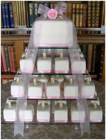 แบบเค็ก งานแต่งงาน 2009 อีกแนวทรงเหลี่ยม
