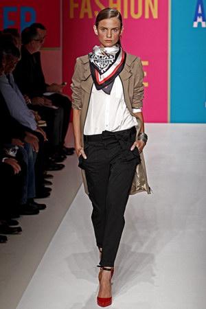ชุดทำงานสไตล์ DKNY แฟชั่นสวยแบบคลาสสิค