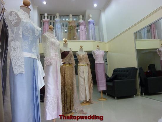 ชุดไทยแบบต่างๆ แขนยาว แขนสั้น ไหล่เดี่ยว ผ้าไหม