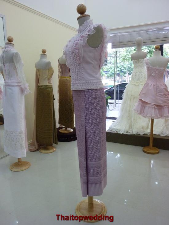 ชุดไทยแขนสั้นสีพาสเทล ทรงคอตั้ง ชุดไทยเพื่อนเจ้าสาวแบบย้อนยุค 2011