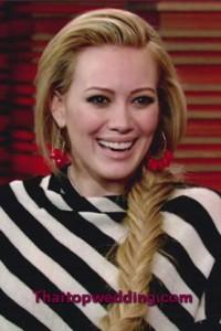 ถักเปียหางปลาดาราอย่าง Hilary Duff