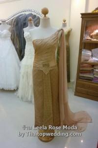 แบบ dress 2011 ผ้าไหม สอดดิ้น สีทองทรงไหล่เดียว