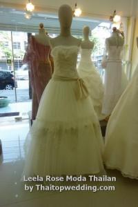 งานผ้าลูกไม้ัปัก อีกชุดแต่งงานสวยๆ ปี 2554