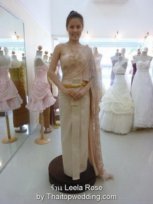 เดรสเจ้าสาวไทย สวยๆ อุทาหรณ์ การใส่ ชุดลูกค้า  Leea Rose Moda กรุงเทพฯ
