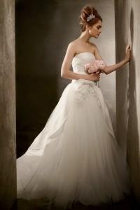 vera-wang-davids-bridal-spring-best-wedding-dress-10