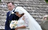 ชุดแต่งงานเจ้าสาวท้อง ลูกไม้ สไตล์คนดัง ลิลลี่ อัลเลน วันนี้