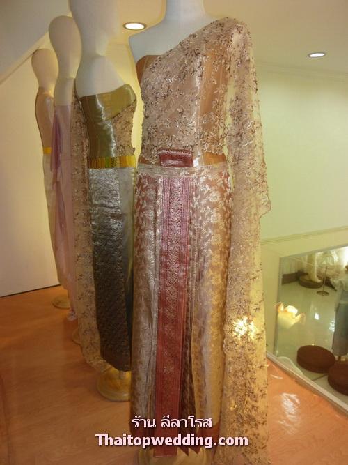 ผ้าไหมสวยๆ ในชุดไทยประยุกต์ 2011