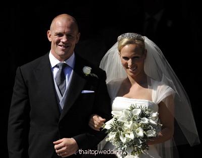 เสื้อผ้าแต่งกาย ไปงานแต่งงาน อังกฤษ ซาร่า ฟิลลิปส์ Zara Phillips แบบเรียบง่าย