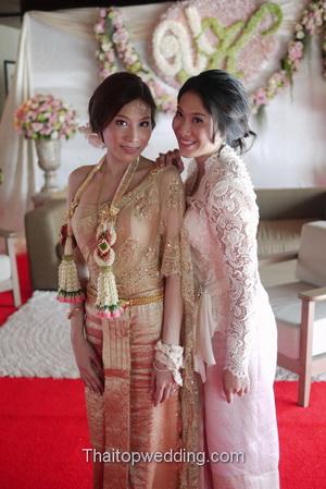 ชุดไทยงานหมั้น ชุดไปงานแต่งงาน ไทยๆ