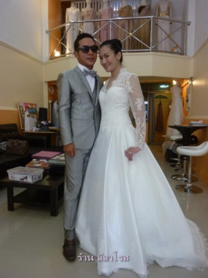 ชุดแต่งงาน เจ้าหญิง เคจ แขนยาว แบบไทยๆ คู่คุณออย+คุณตู่