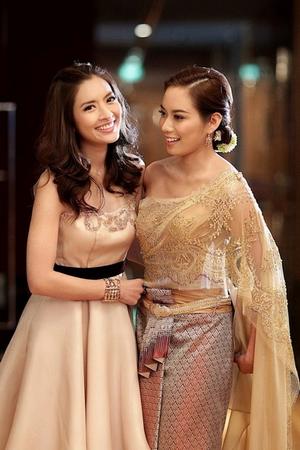 ชุดไทย ชุดแต่งงาน แบบโปรดๆ ลูกค้า ร้าน ลีลาโรส