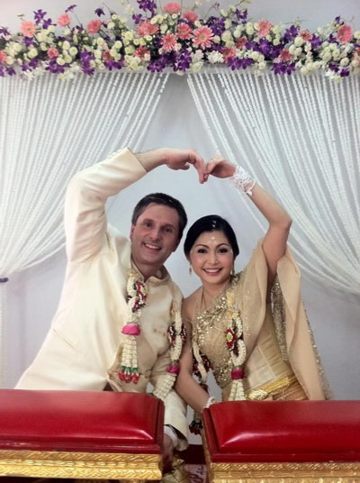 ภาพ  ชุดแต่งงาน ชุดไทยประยุกต์ ประทับใจ ร้าน ลีลาโรส
