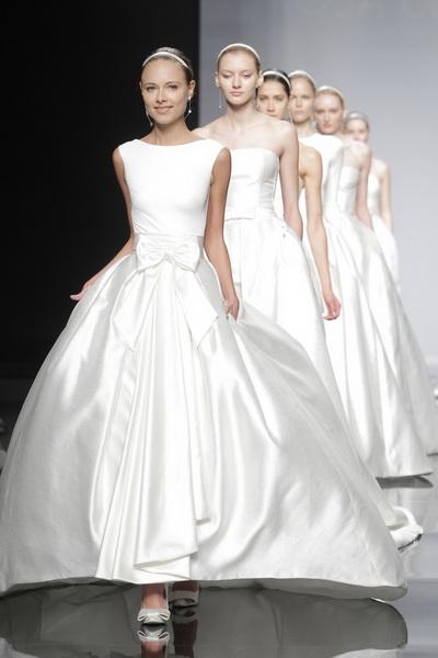 ชุดแต่งงานเรียบๆ 2014 ไอเดีย  Rosa Clara