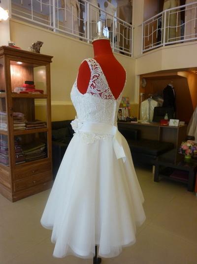 ชุดไปงาน แขนกุด ร้านชุดแต่งงานไทย แบบ ร้าน ลีลาโรส กรุงเทพ