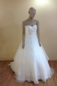 leelarosemoda-wedding-dresses-sep-pic04