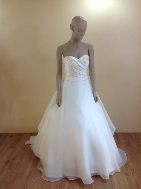 leelarosemoda-wedding-dresses-sep-pic04