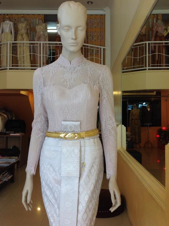 ชุดไทยเจ้าสาว คอจีน แขนยาว แบบประยุกต์