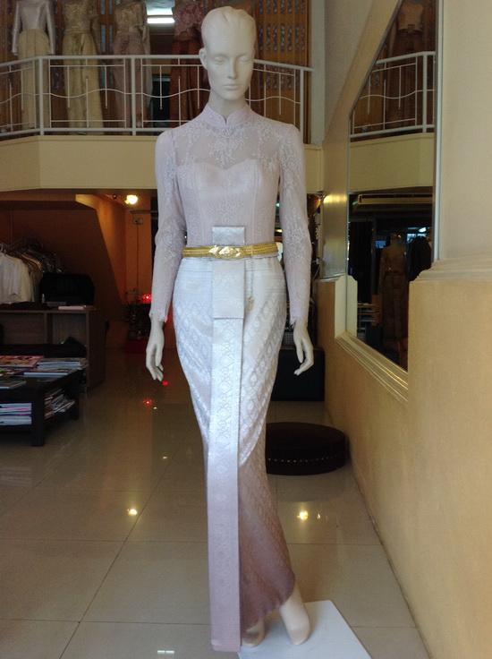 ชุดไทยบรมพิมาน ผ้าลูกไม้ ประยุกต์ ชุดไทยเจ้าสาว
