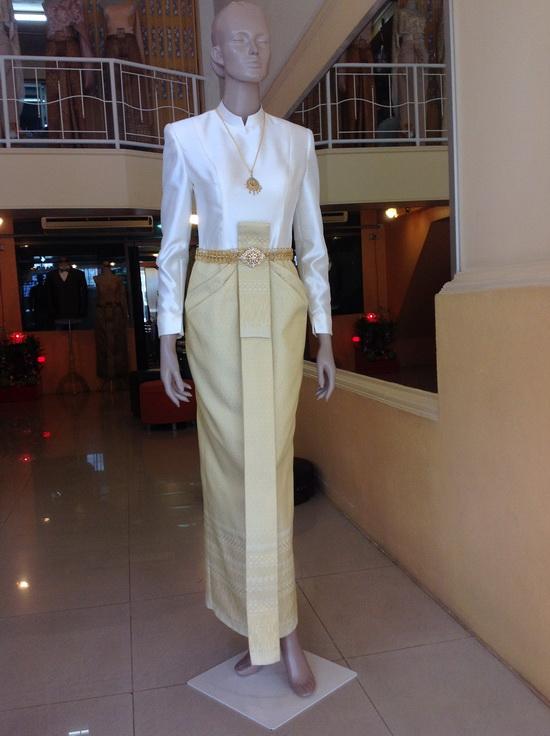 ชุดไทยมีแขน สีครีม ชุดไทย สมรสพระราชทาน ยอดนิยม