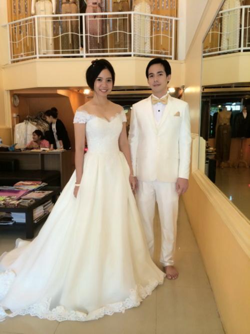 รูปชุดแต่งงาน ห้องลองโครงชุด