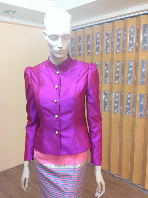 เสื้อ ผ้าไหม ชุดไทย มีแขน สีม่วง-แดง ( Red violet ) แขนยาว