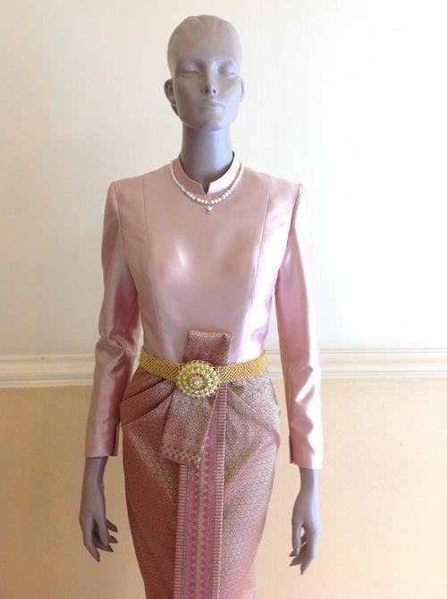 ชุดไทย แขนยาว ผ้าไหม คอตั้ง ชุดไทยบรมพิมาน