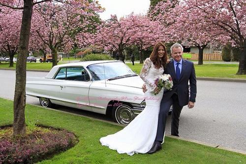 ชุดแต่งงานแขนยาว