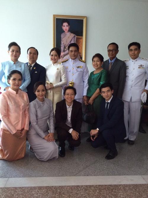 ชุดไทย มีแขน ชุดไทยประยุกต์ แขนยาว งานสมรสพระราชทาน