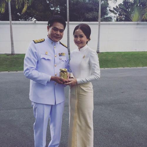 ชุดไทย มีแขน ชุดไทยประยุกต์ แขนยาว สมรสพระราชทาน