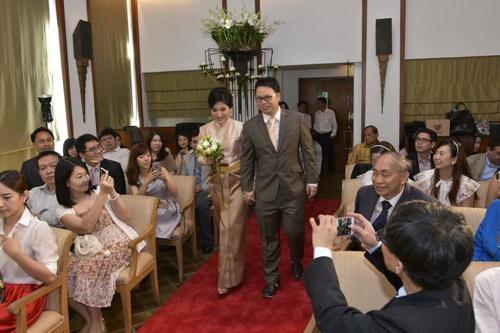 ขอบคุณ ภาพ ชุดไทยแต่งงาน คุณเจี๊ยบ