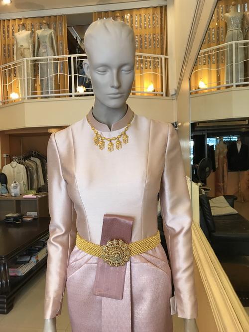 ชุดไทยบรมพิมาน ชุดไทยแต่งงาน รับน้ำสังพระราชทาน