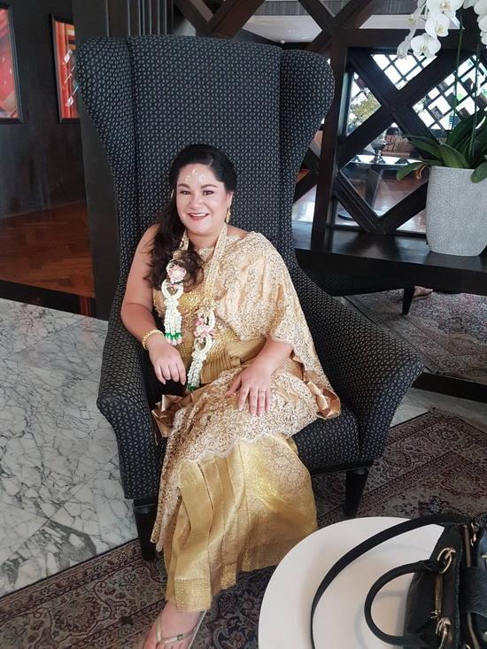 ชุดไทยเจ้าสาว ห่มสไบ
